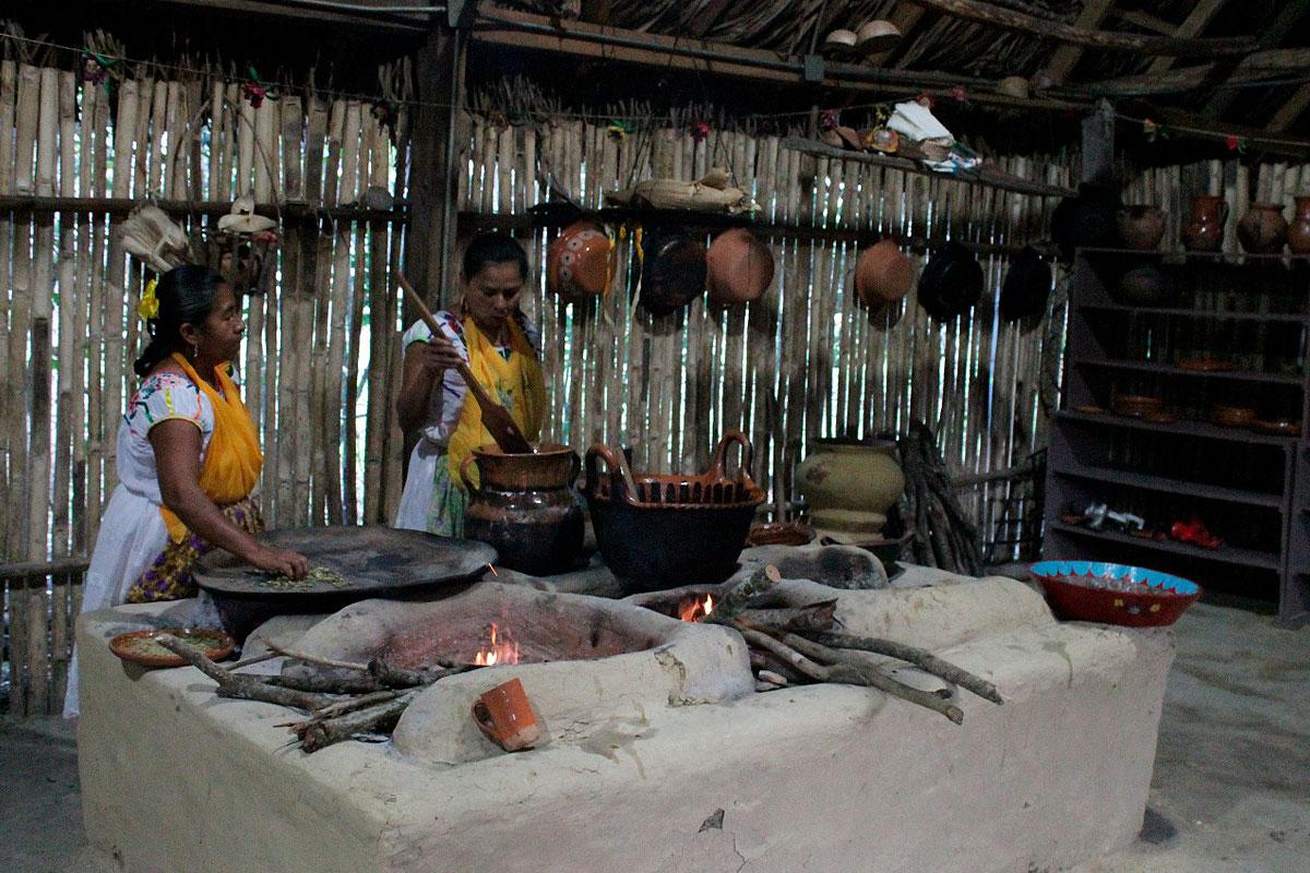 La herencia gastronómica totonaca en las Mujeres de Humo